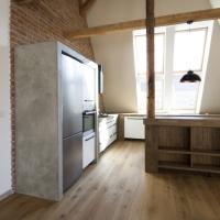 Atypická zástěna pro lednici a příslušenství kuchyně
